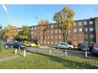 2 bedroom flat in Burnham Court, Brent Street, Hendon, NW4