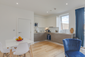 1 bedroom flat in Central House, Lampton Road