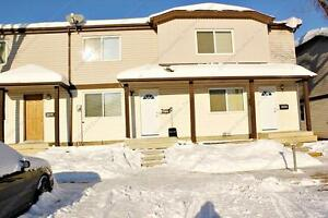 CHARACTER 3 BDRM TOWNHOUSE WITH 2 PARKING STALLS IN CASSELMAN