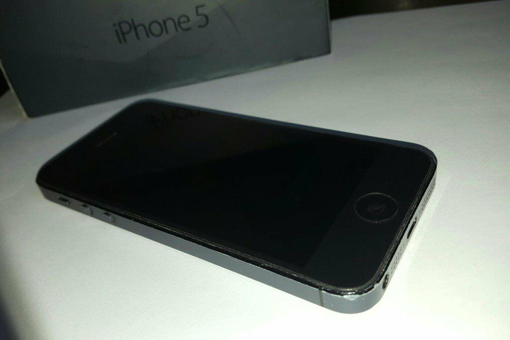iPhone 5 Black 16GB UNLOCKED BLACKin Heald Green, ManchesterGumtree - iPhone 5 Black 16GB UNLOCKED very good condition iPhone 5 16GB in black. iCloud off and works with any network. Comes with box. Selling it cheaper because there is couple of marks on lcd, but as you can see in pictures is almost invisible. No...