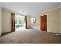1 bedroom flat in Dulwich Wood Avenue, London, SE19 (1 bed) (#1223071)