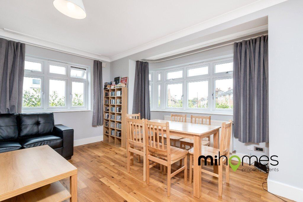 **A HUGE 87 sq mtrs EXCEPTIONAL 2 BEDROOM APARTMENT WITHIN A SHORT WALK TO SOUTHGATE TUBE STATION**