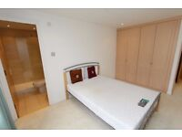 very very LUXURIOUS APARTMENT-EASY ACCESS TO CUTTY SARK DLR-2 EN-SUITES AVAILABLE