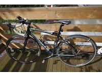 GIANT 2015 road bike AND ALL ACCESSORIES (negotiable)