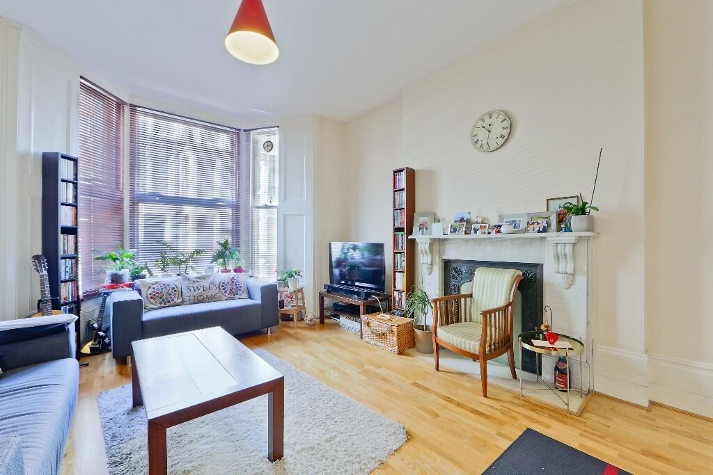 Large, modern 2 double bedroom apartment in the heart of bayswater!