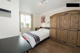 Double & single room to share in a well maintained house
