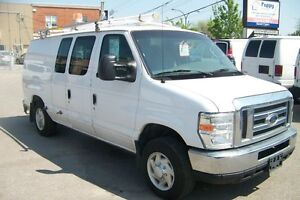 2008 Ford E-150 LOCATION $400 +TX  (support a echelle incluse +c