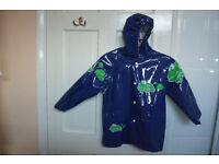 4-5 years old raincoat (AS NEW)