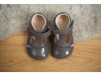 Clarks baby toddler girls shoes size 2 1/2, 18 EU