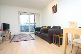 Great 2 bed 2 bath in Tequila Wharf, Limehouse, E14, East London, Parking, Concierge.