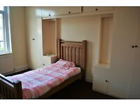 Double Room Furnished Beeston Available 1st Sept ALL BILLS INC
