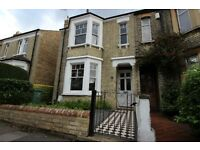 6 Bedroom Student Property Available in Bartlemas Road, East Oxford | Ref 1204