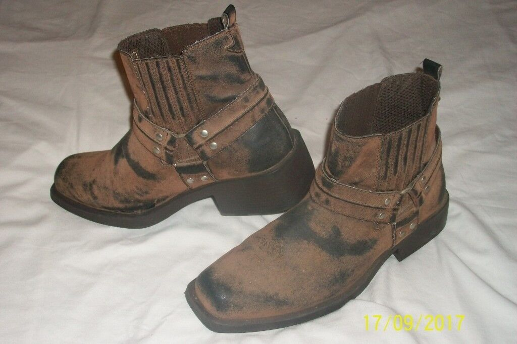 Mens Cowboy/western style Biker boots size 8