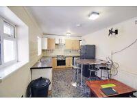 3 Bedroom House to Rent | En-suite Room | Single Garage - Woodford