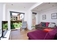 *Four bed town house to let* Two bath - Private rear garden - Three floors ( Adelina Mews)