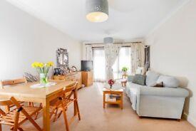 2 Bedroom Flat to rent in Edgware, HA8