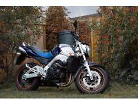 Suzuki GSR 600 blue