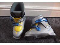 Kids ski boots 1.5-2.5 uk 6-8years