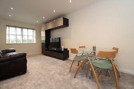 LUXURY TWO BED APARTMENT IN SUNBURY close to twickenham ashford staines feltham shepperton heathrow