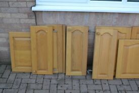 12 KITCHEN CUPBAORD DOORS IN SOLID OAK IN BLACKWOOD