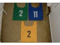 sports bibs (4-8yrs)