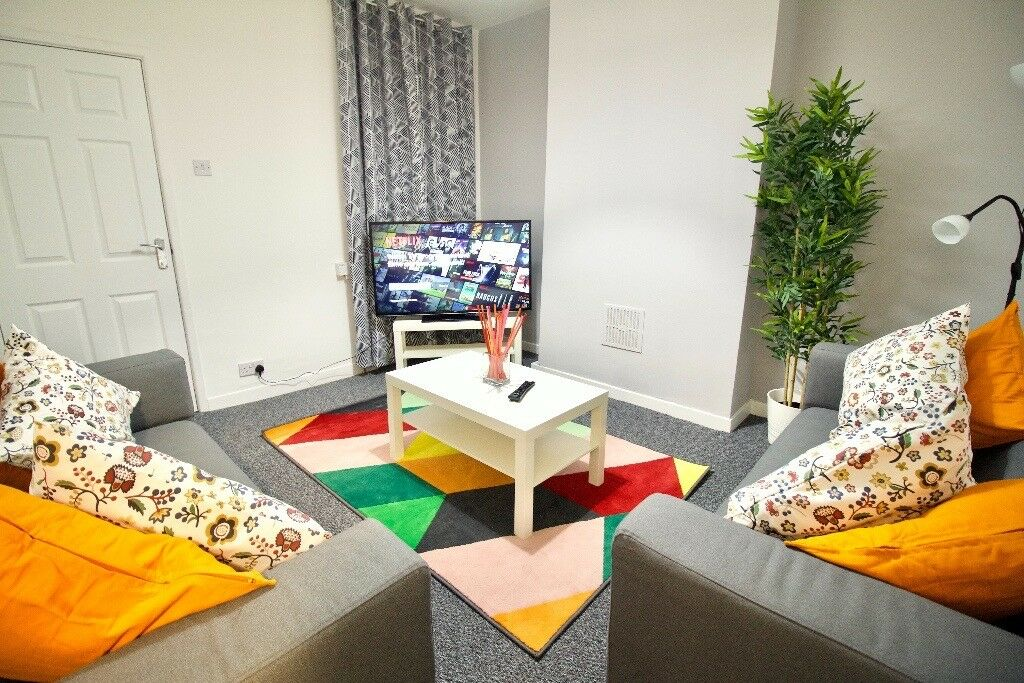 Stunning modern rooms available close to Media City