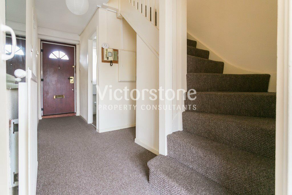 GREAT VALUE 4 DOUBLEROOM FLAT NO LOUNGE AVAILABLE NOW £550 PER WEEK MILE END STEPNEY BOW WHITECHAPEL