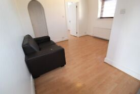 SUPERB 1 BEDROOM FLAT NEAR ZONE 3/2 NIGHT TUBE, 24 HOUR BUSES, SHOPS & SUPERMARKETS