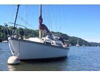 Nova 27 sail boat solid sea cruiser liveaboard floating home in France