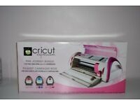 Cricut Expression limited editon for Breast Cancer PINK loads of cartridges and New cutting mats