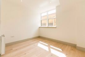CROWN HILL - Brand New Studio Flat in the Heart of Croydon - Separate sleeping area !!