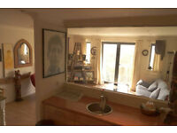 Stunning 2 bed flat in central Cheltenham. Balcony / Parking / Town centre / Spacious