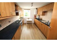 2 bedroom flat in Powderhall Rigg, , Edinburgh, EH7 4GA