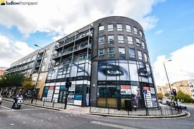 *High Spec Boasting Three Huge Bedrooms and a Private balcony. Located Short walk from Greenwich DLR