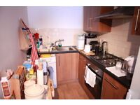 A SPACIOUS STUDIO FLAT AVAILABLE IN WHITECHAPEL - PRIVATE DEVELOPMENT - MINS TO THE STATION