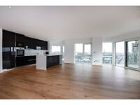 STUNNING TWO BEDROOM PENTHOUSE ON LONGFIELD AVENUE ON THE DOORSTEP OF EALING BROADWAY £2800 PCM