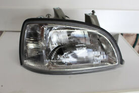RENAULT CLIO RHS HEAD LAMP ( 1996-1998 )
