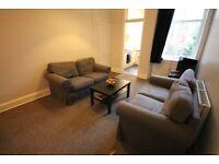 4 bedroom flat in Spottiswoode Road, Marchmont, Edinburgh, EH9 1DA