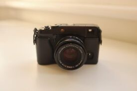 Fujifilm X-Pro1 and XF35mm 1.4 R lens, Leather case