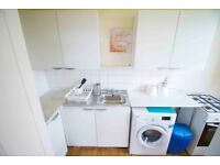 **ONLY 2 WEEKS DEPOSIT** Double room for rent in modern and spacious property in MILE END , Zone 2!