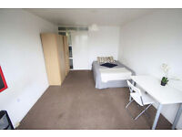 Nice double room available now in KENTISH TOWN! 186W