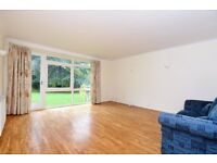 LARGE TWO BED MAISONETTE ON PARK HILL WITH AMPLE STORAGE. PERFECT FOR SHARERS OR A FAMILY.£1675 PCM
