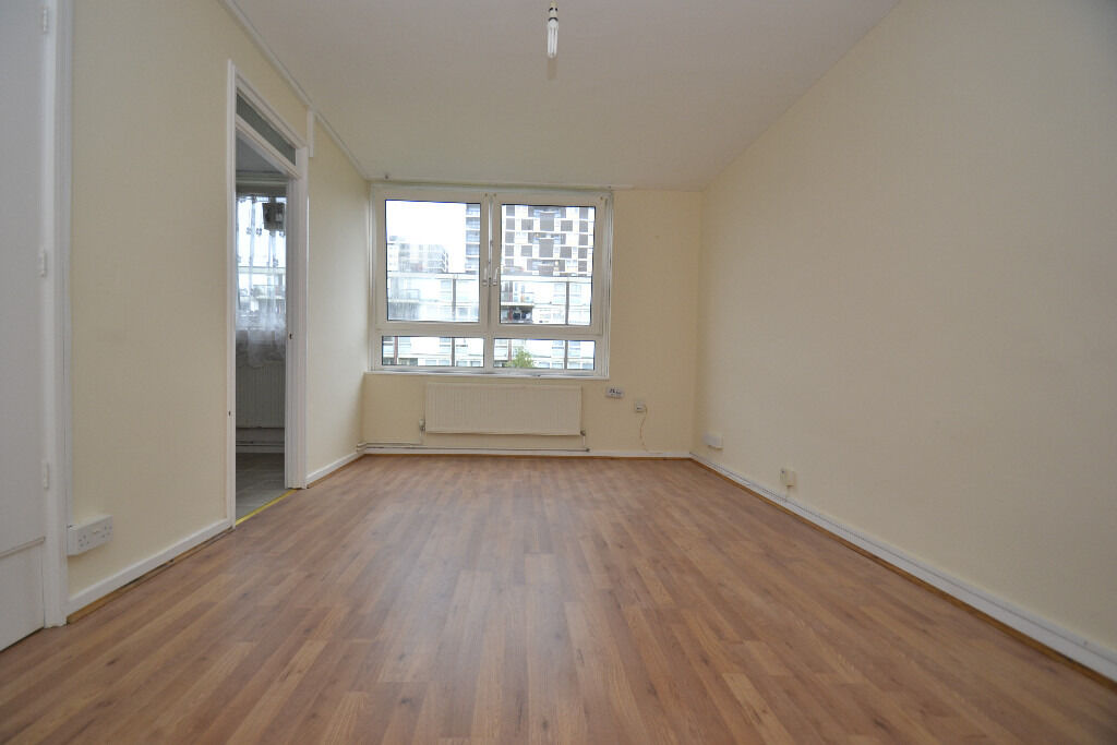 A refurbished one bedroom flat, located between the trend setting areas of Dalston and Shoreditch
