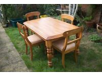 Oak Dining Table and 4 matching chairs (PRICE DROPPED)