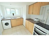 3 BEDROOM FLAT TO RENT IN STRATFORD £1695 PCM WITH BALCONY