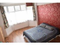 Large double room inn lovely house in Tooting Bec. Available 13/11