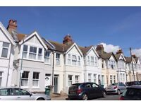 *** 3 BEDROOM FAMILY HOUSE IN EXCELLENT POETS CORNER LOCATION ***