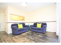 A well-presented, fully-furnished ground floor flat in quiet residential street in Rotherhithe