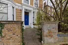 2 bedroom flat in Somerset Road, London, W13 (2 bed)