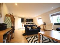 REDUCED! Huge 2 Bed By Oval Station - £1,600